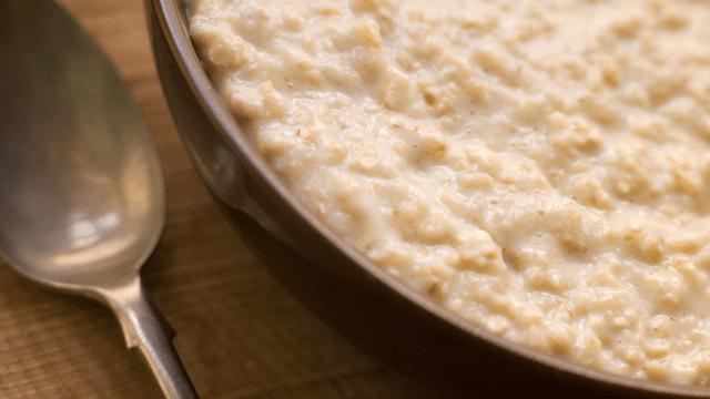 Vom Haferbrei zum Lachsbrötchen: Schweizer Frühstücksgeschichte