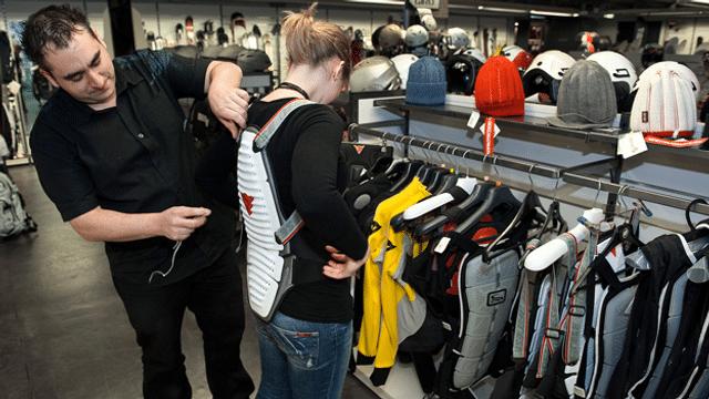 Wintersport: Wer braucht einen Rückenpanzer?