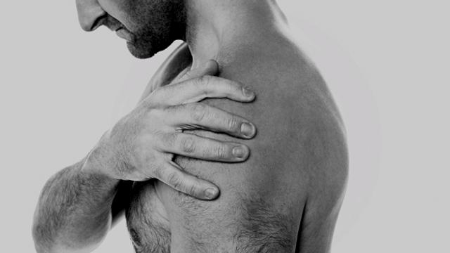 Schulter selber wieder einrenken?