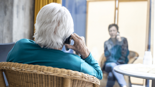 Isoliert und vergessen – Schutz vor Corona schadet alten Menschen