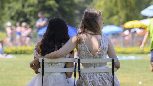 Gläubig und lesbisch: Zwei Frauen, die heiraten wollen