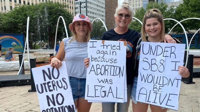Aus dem Archiv: Demonstrationen gegen restriktives Gesetz
