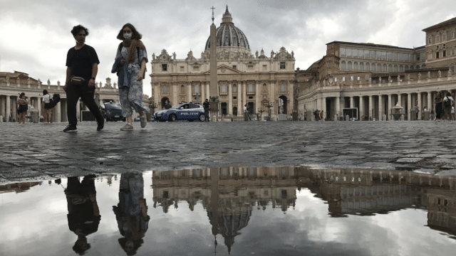 Aus dem Archiv: Braucht die Schweiz eine Botschaft im Vatikan?