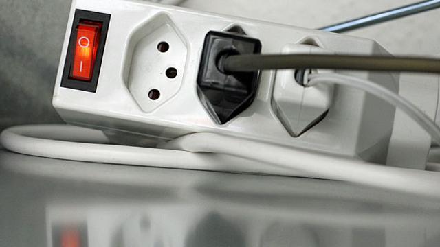 Archiv: Strompreiserhöhung wegen Energiewende?