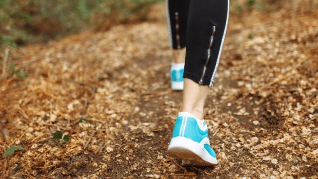 Alter vor Schönheit - Sneakers statt elegante Schuhe