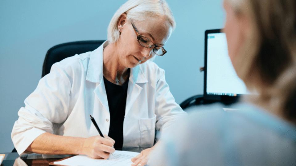 Kann der Hausarzt für die Impf-Anmeldung 100 Franken verrechnen?