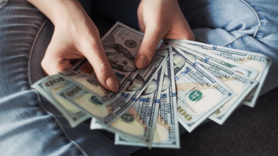 Frauen und Finanzen – warum kümmern sie sich nicht so gerne wie Männer ums Geld