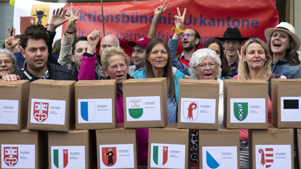 Zweites Referendum gegen Covid-19-Gesetz eingereicht
