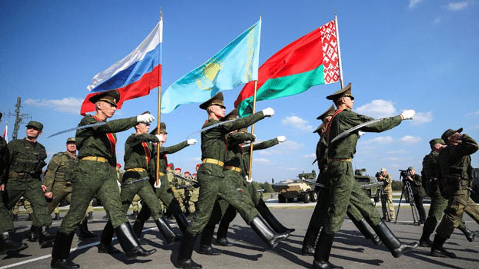 Das Militärmanöver Zapad-21 befeuert den Ost-West-Konflikt