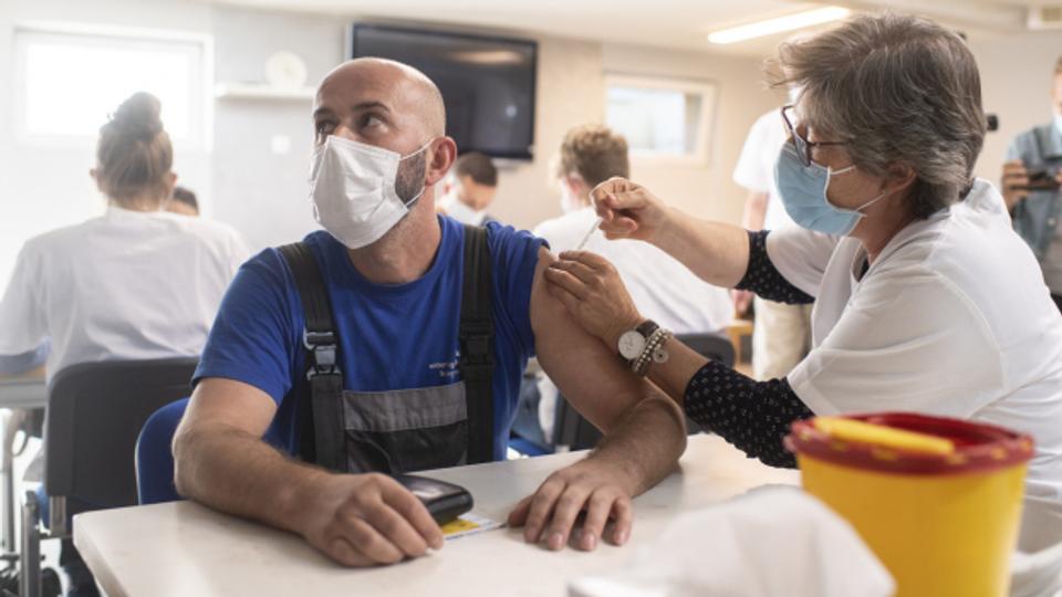 Kommt in der Schweiz bald ein dritter Impfstoff?