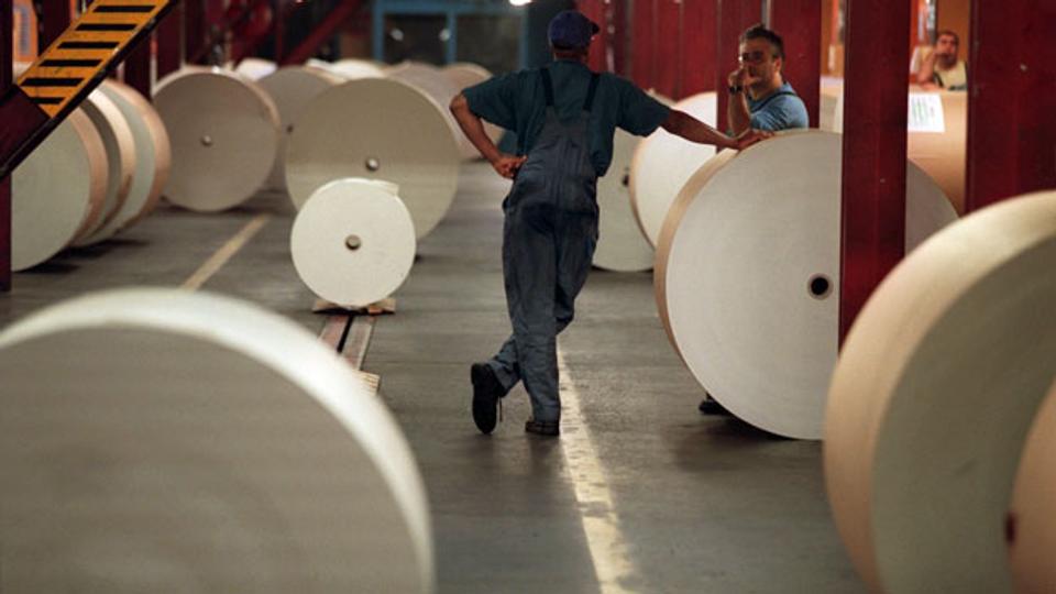 Zeitungen dünner wegen Papiermangel