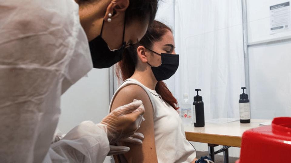 Dritte Corona-Impfung: Kann man sich «überimpfen»?